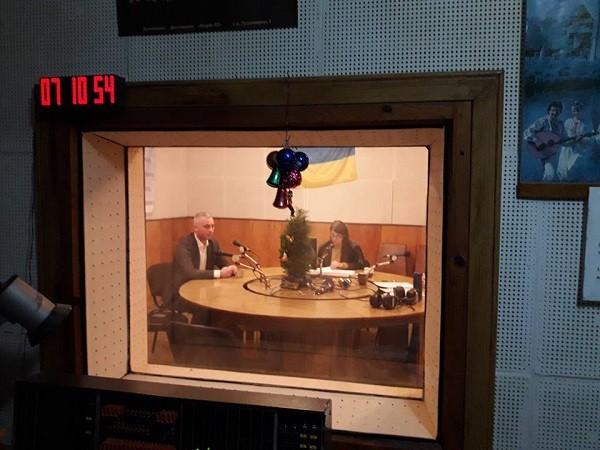 На Тернопільському обласному радіо – суспільно-політична програма «Файний ранок»