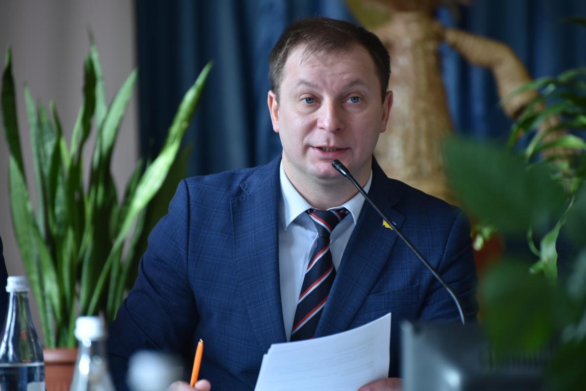 Ексголова Тернопільської облдержадміністрації Степан Барна зманіпулював даними про малокомплектні школи і сказав неправду про ремонт доріг