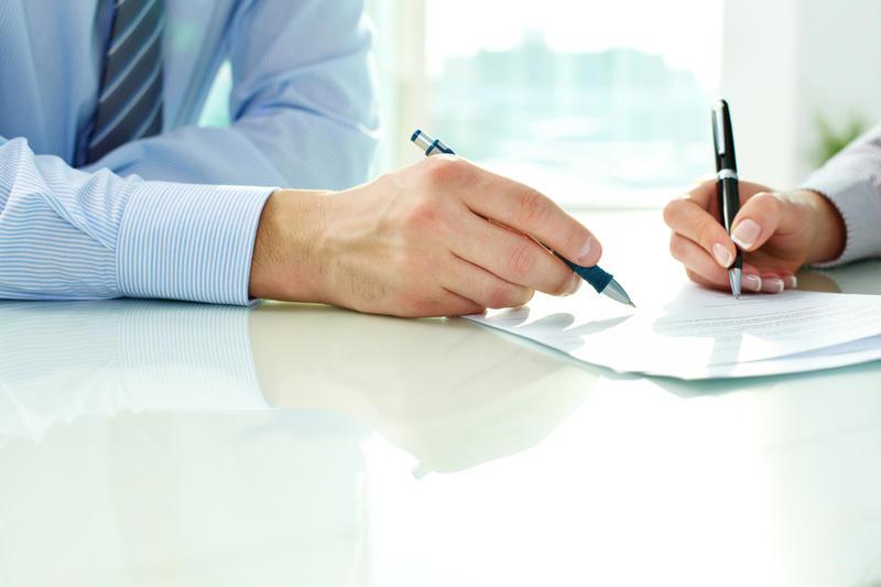 Про прийняття на роботу за цивільно-правовою угодою. Юридичні консультації з діяльності друкованих ЗМІ